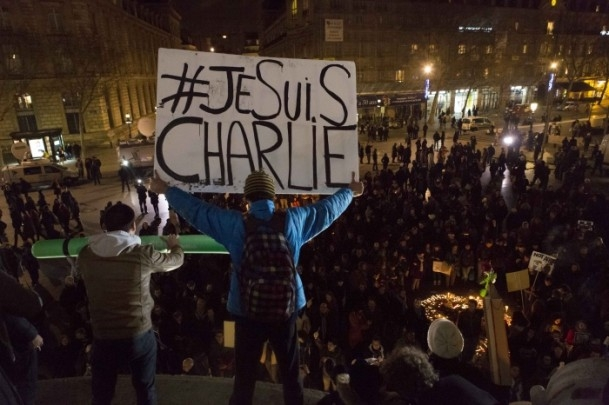 Paris'teki saldırıya tepkiler sürüyor 1
