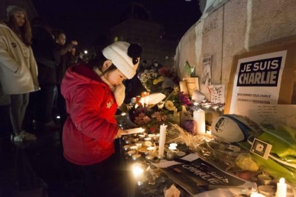 Paris'teki saldırıya tepkiler sürüyor 10