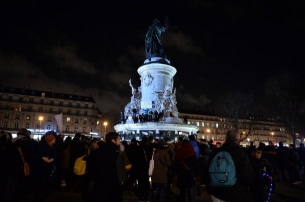 Paris'teki saldırıya tepkiler sürüyor 13