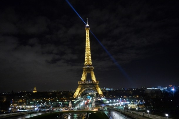 Paris'teki saldırıya tepkiler sürüyor 18