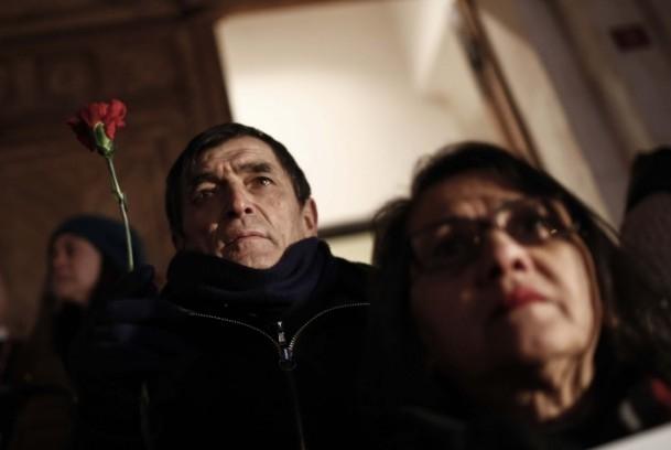 Paris'teki saldırıya tepkiler sürüyor 2