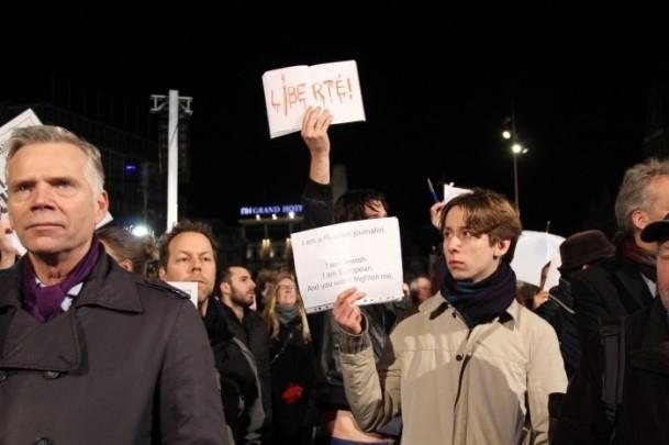 Paris'teki saldırıya tepkiler sürüyor 26