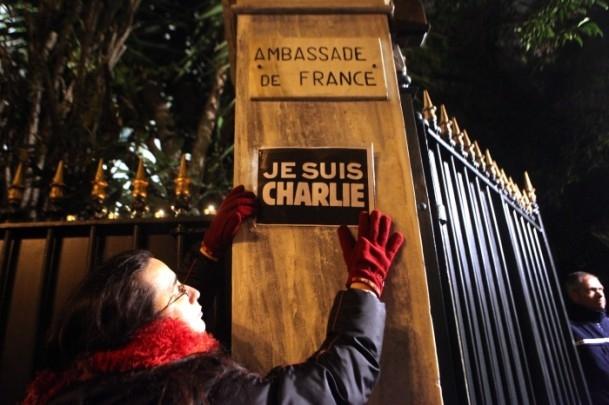 Paris'teki saldırıya tepkiler sürüyor 3