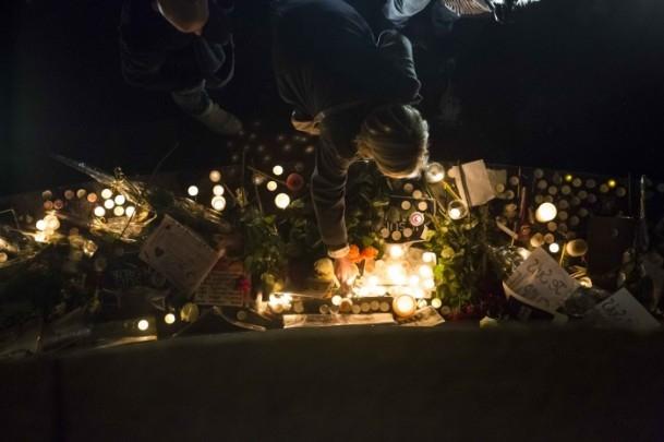 Paris'teki saldırıya tepkiler sürüyor 4