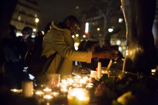 Paris'teki saldırıya tepkiler sürüyor 8