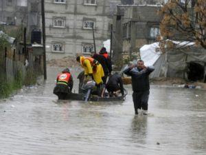 Refah kentinde sağanak