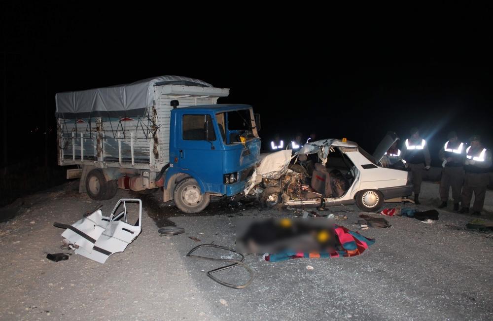 Konya'da trafik kazası 5 ölü, 4 yaralı 1