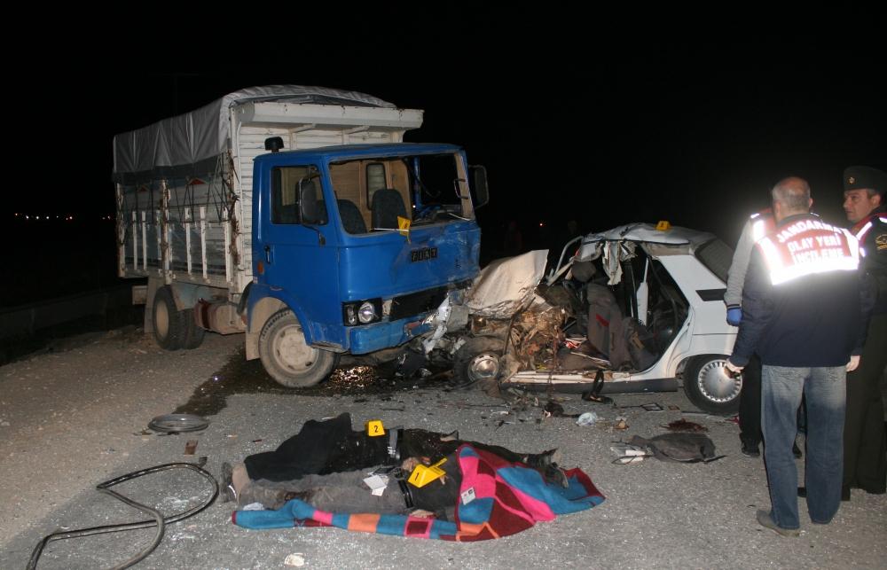 Konya'da trafik kazası 5 ölü, 4 yaralı 8