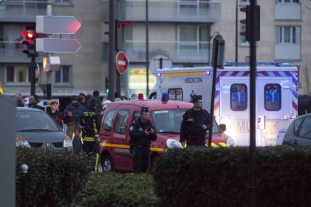 Paris saldırganları öldürüldü 1