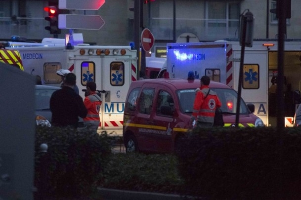 Paris saldırganları öldürüldü 13