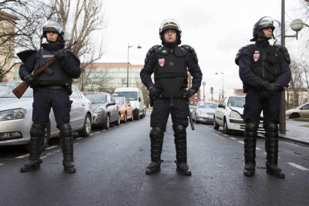 Paris saldırganları öldürüldü 15