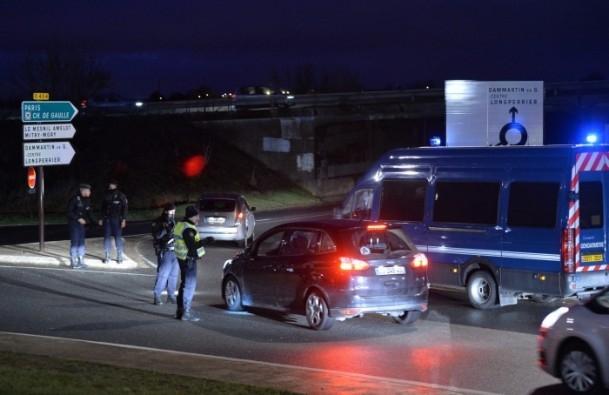 Paris saldırganları öldürüldü 16