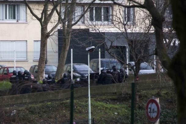Paris saldırganları öldürüldü 18