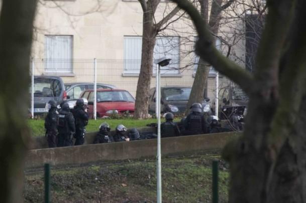 Paris saldırganları öldürüldü 22