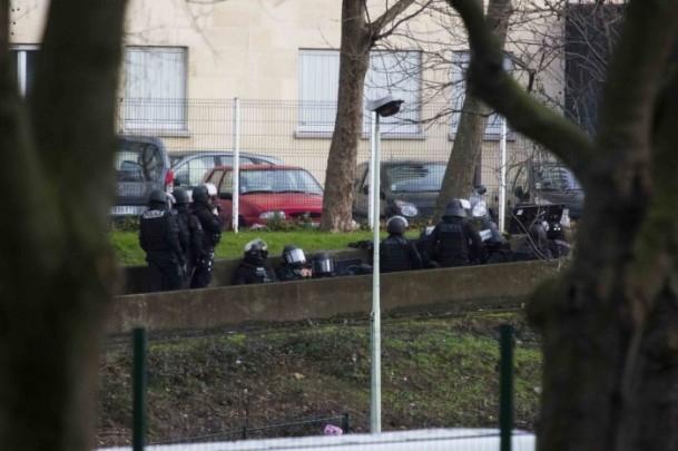 Paris saldırganları öldürüldü 24