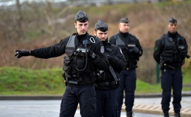 Paris saldırganları öldürüldü 27