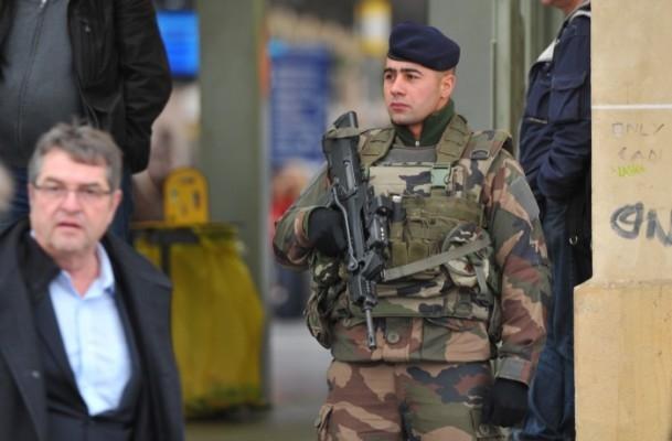 Paris'te Cumhuriyet Yürüyüşü 7