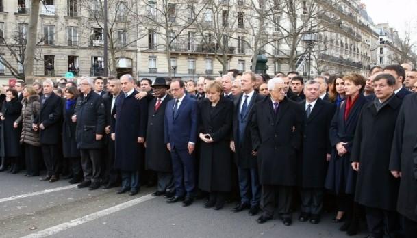Paris'te Cumhuriyet Yürüyüşü 12