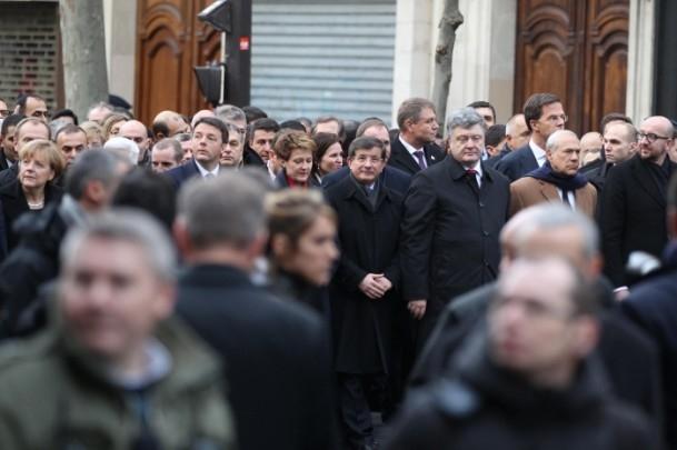 Paris'te Cumhuriyet Yürüyüşü 15