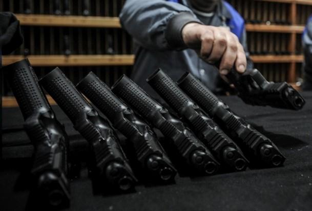 Polise yerli silah 12