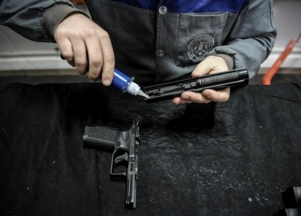 Polise yerli silah 2