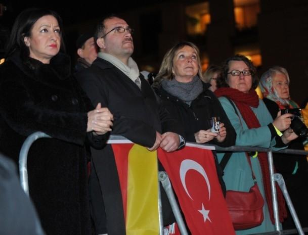 Almanya'daki Müslümanlar saldırıyı kınadı 7