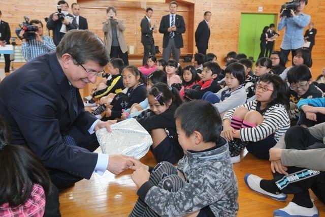 DAVUTOĞLU'NA JAPONYA'DA BÜYÜK İLGİ 13