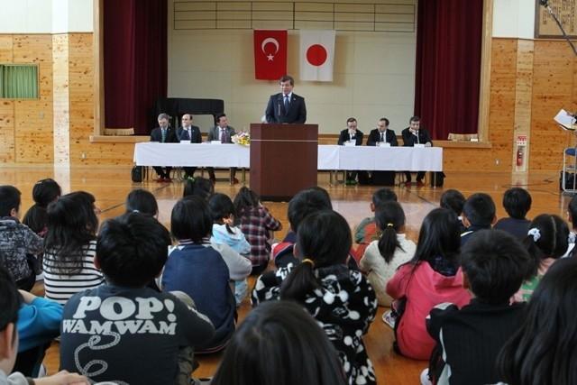 DAVUTOĞLU'NA JAPONYA'DA BÜYÜK İLGİ 4