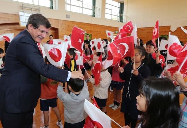 DAVUTOĞLU'NA JAPONYA'DA BÜYÜK İLGİ 5