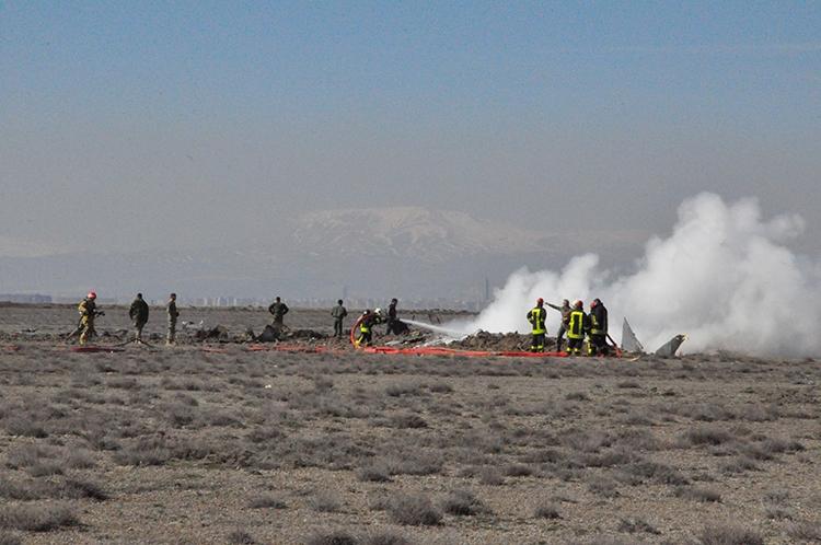 Konya'da Eğitim Uçağı Düştü: 2 Pilot Şehit 14