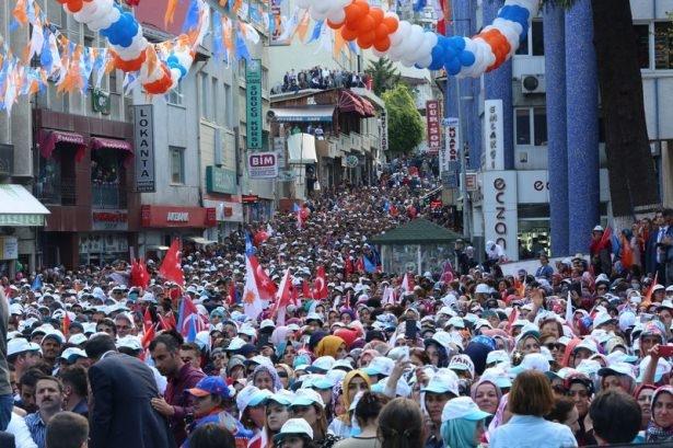 Davutoğlu Türkiye'yi il il gezdi 13