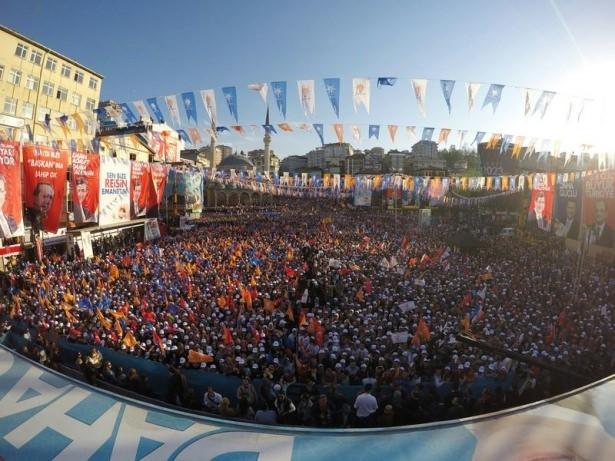 Davutoğlu Türkiye'yi il il gezdi 16