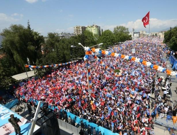 Davutoğlu Türkiye'yi il il gezdi 27