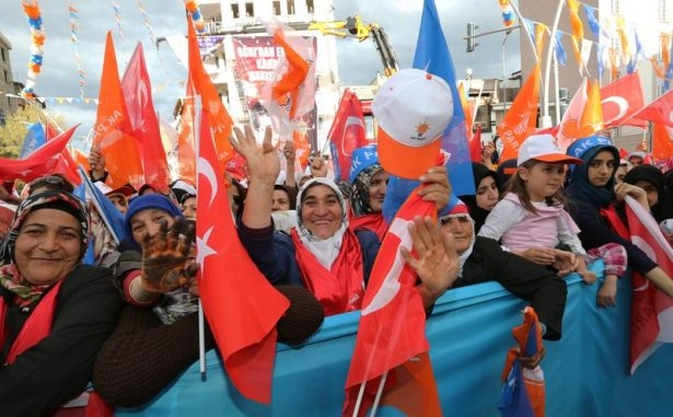 Davutoğlu Türkiye'yi il il gezdi 35