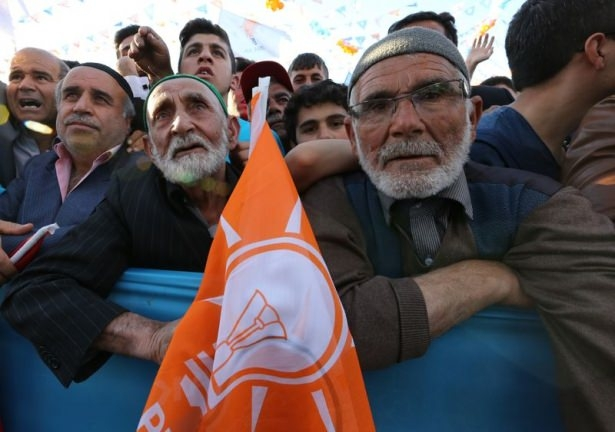 Davutoğlu Türkiye'yi il il gezdi 41