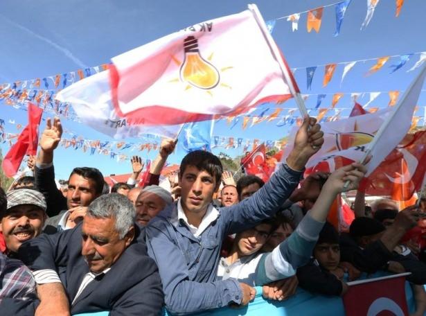 Davutoğlu Türkiye'yi il il gezdi 45
