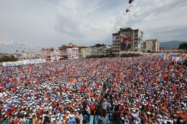 Davutoğlu Türkiye'yi il il gezdi 53