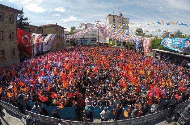 Davutoğlu Türkiye'yi il il gezdi 60