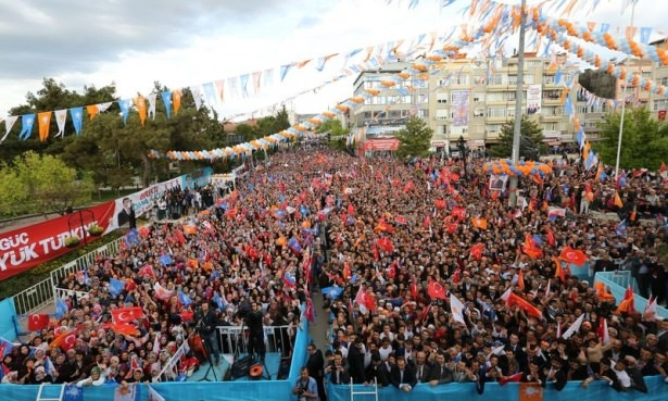 Davutoğlu Türkiye'yi il il gezdi 61