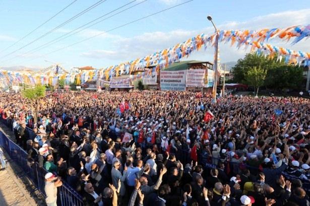 Davutoğlu Türkiye'yi il il gezdi 63