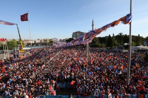 Davutoğlu Türkiye'yi il il gezdi 69