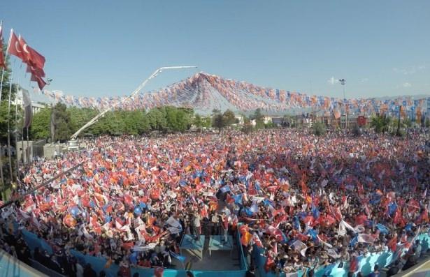 Davutoğlu Türkiye'yi il il gezdi 71