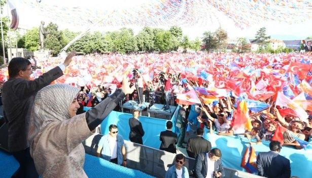 Davutoğlu Türkiye'yi il il gezdi 72