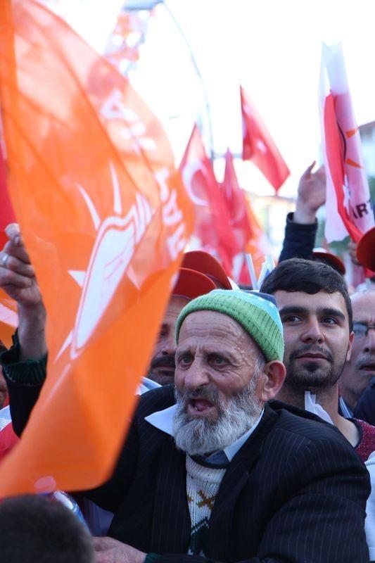 Davutoğlu Türkiye'yi il il gezdi 74