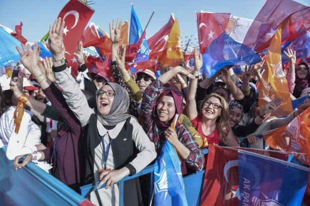 Davutoğlu Türkiye'yi il il gezdi 79