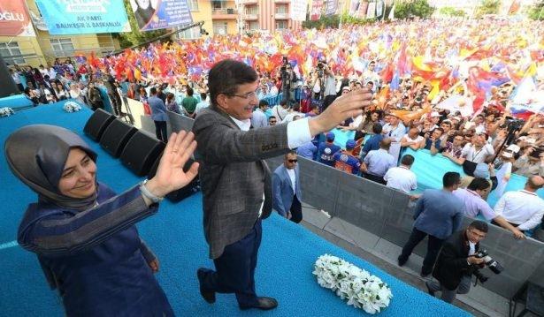 Davutoğlu Türkiye'yi il il gezdi 89