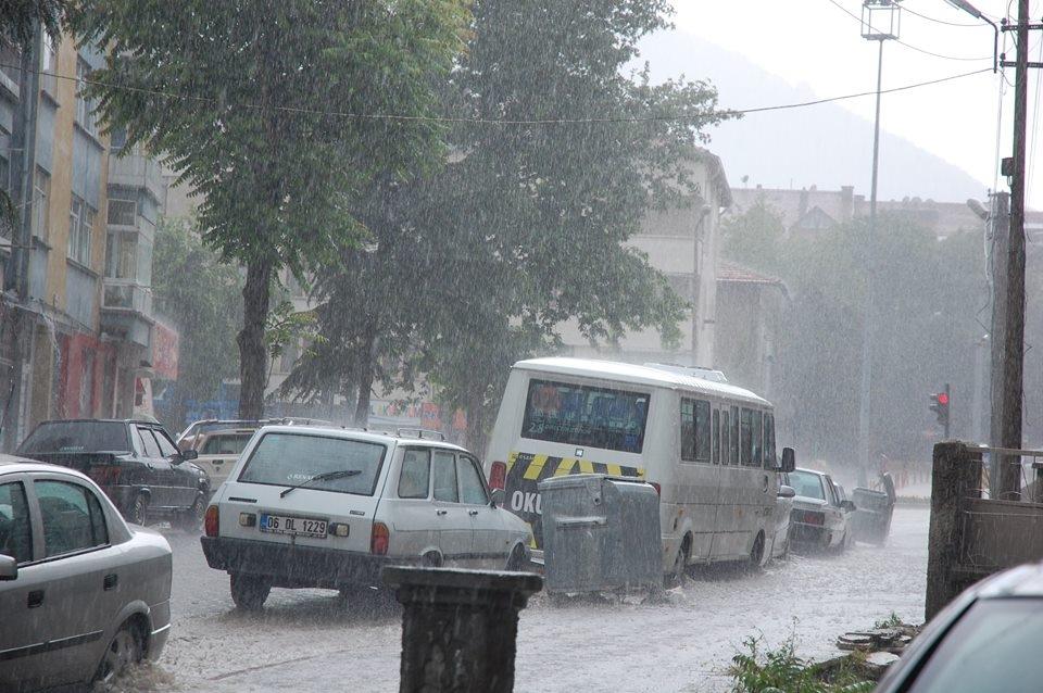 Akşehir'i sel vurdu! 3