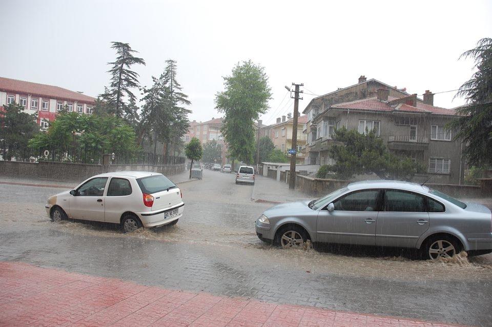 Akşehir'i sel vurdu! 6