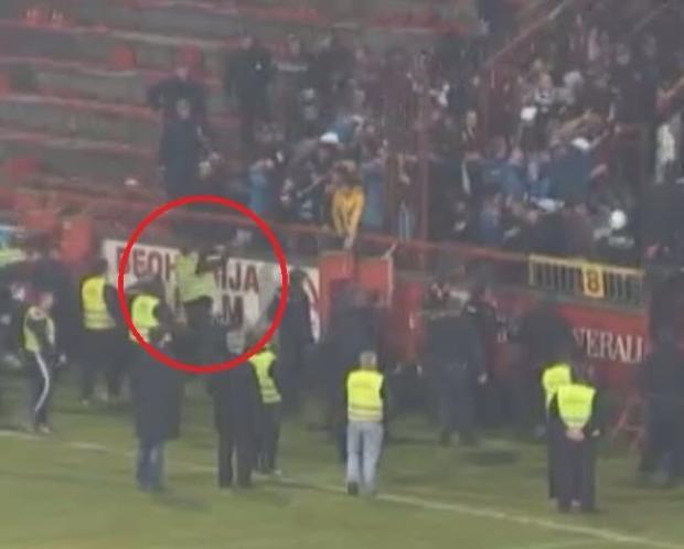 Sırbistan'da futbol maçında ırkçı saldırı 1