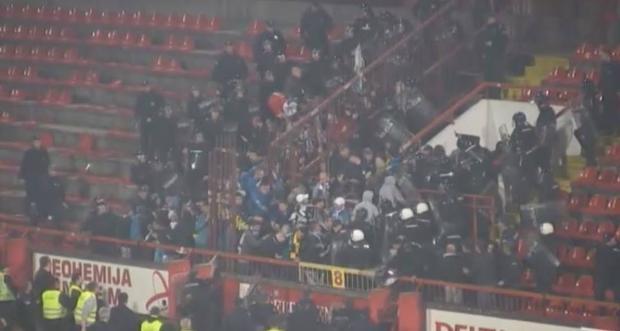 Sırbistan'da futbol maçında ırkçı saldırı 3